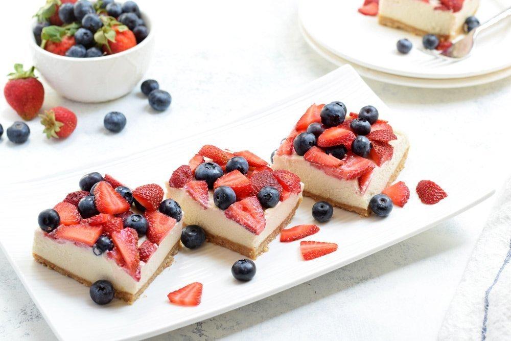 Berry Cheesecake Bars (Vegan, Paleo & No-Bake!)